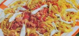 Fettuccine in rosso con prosciutto di Praga e mozzarella