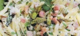 Pasta mantecata con panna prosciutto cotto asparagi