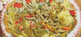Perciatelli con funghi misti e peperoni