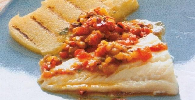 Filetti di pesce persico al limone con salsa di acciughe e - Cucinare pesce persico ...